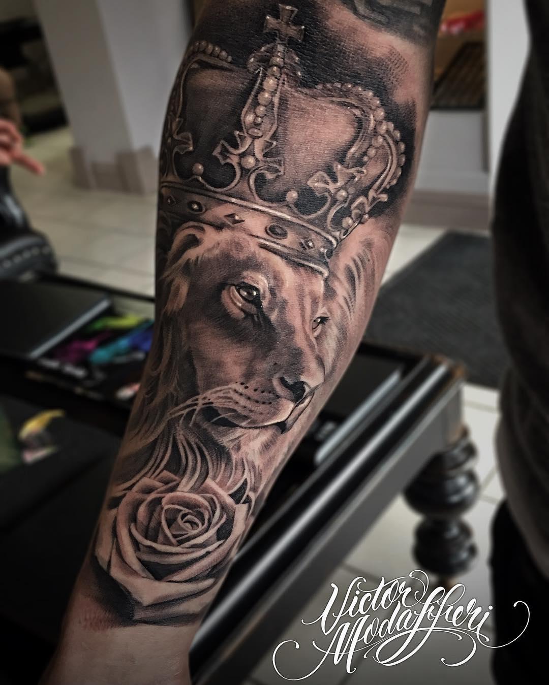 Victor modafferi bullseye tattoo shop for Tattoo clothing shop
